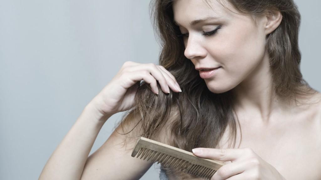 Wypadanie włosów - Wypróbuj olejek do włosów